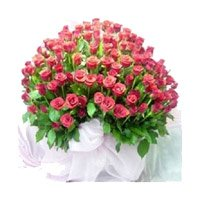 Online Pink Roses Bouquet 100 Flowers to India