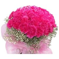Bouquet of 100 pink carnation flowers to India