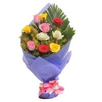 Online Mixed Roses Bouquet in Crepe 10 Flowers