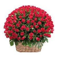 Valentine's Day Flowers to India. Deliver Red Roses Basket 200 Flowers in India