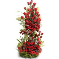 Send Red Roses Tall Arrangement of 100 Flowers in India