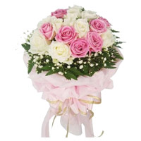 Send White Pink Roses Bouquet 20 Flowers to India