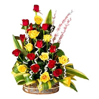 Online Red Yellow Roses Arrangement 20 Flowers to India