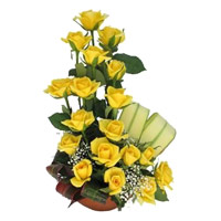 Online Flowers to India : 18 Yellow Roses Basket