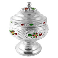 Send Online Karwa Chauth Gifts to India